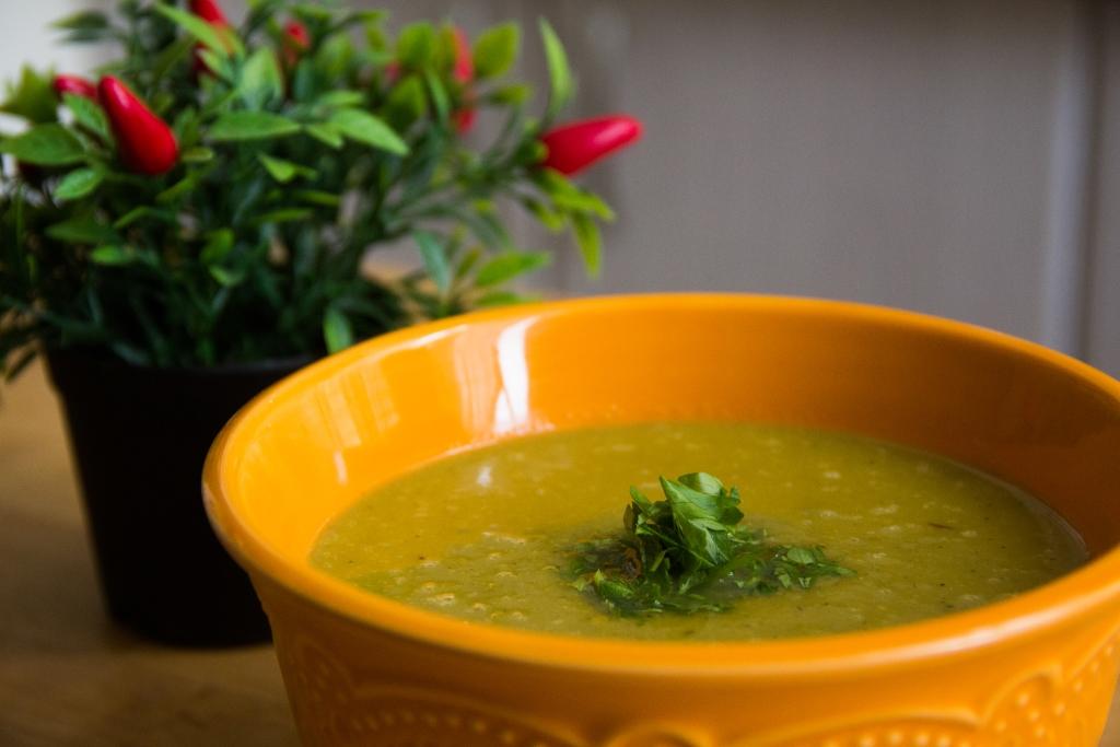מרק אפונה וגזר קרמי|צילום: נעמי גולן