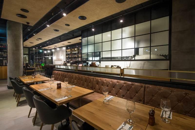 """מרשת המסעדות נמסר כי בעתיד צפויים להיפתח סניפים נוספים במקומות מרכזיים. בתמונה: """"לחם בשר"""", קניון 'ארנה' הרצליה,  צילום: עידו גור"""